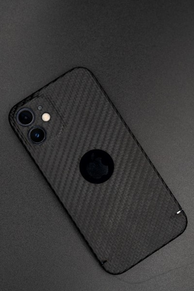 Carbon Cover iPhone 12 z Logowindow